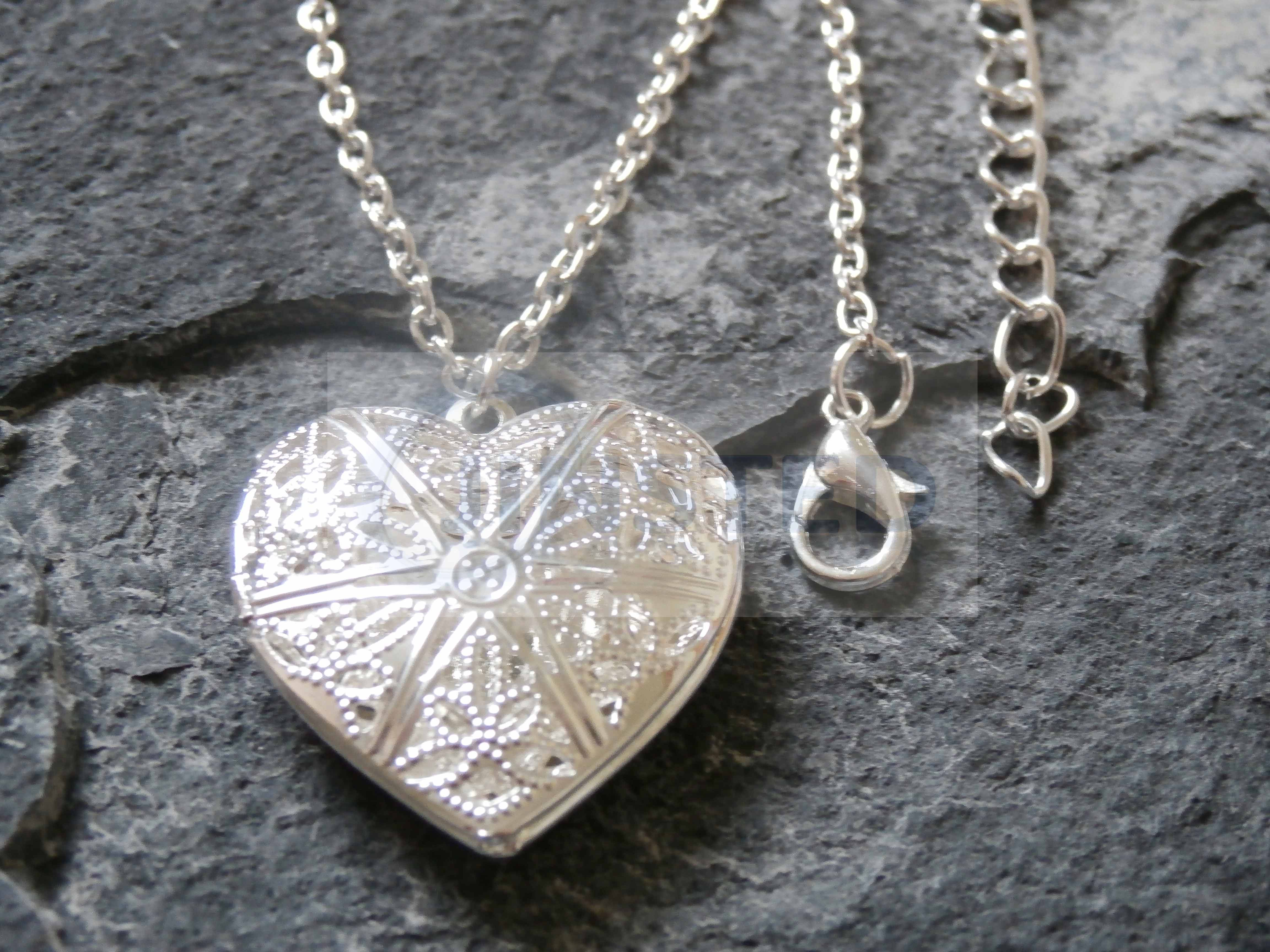 SIlver 3D Hollow Heart Pendant Locket Charm Necklace Chain Jewellery WN012